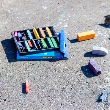 chalk-936192_640